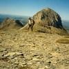 Du sommet de la Table des Trois Rois (2421 m), le pic des Trois Rois (2444 m)
