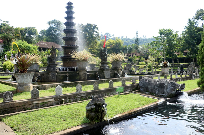 Le palais aquatique  de Tirtagangga