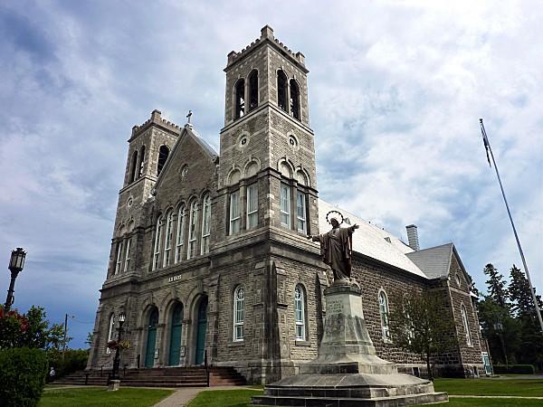 Ste Agathe des Monts église