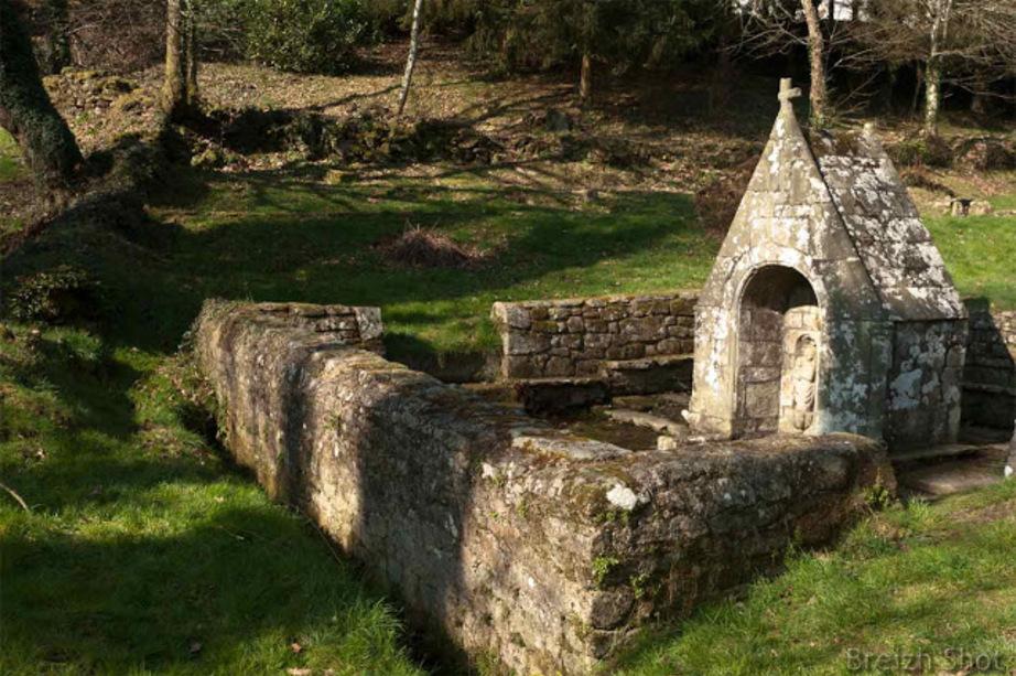 fontaine Saint-Mathurin de Quistinic