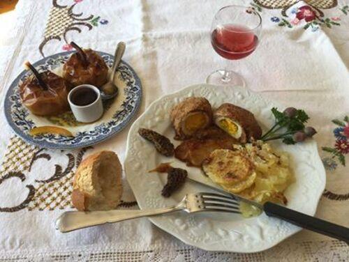 Alouette sans tête--- .Purée d'oignons- gratin dauphinois- *pommes en robe caramélisées au miel et son coulis de framboises sauvages maison *