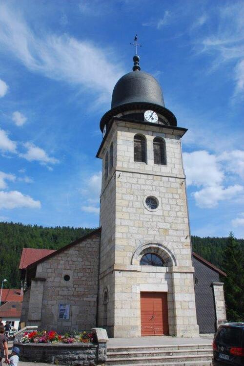 L'église et son drôle de clocher
