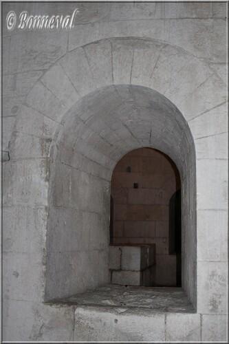 Abbaye de Montmajour Abbatiale Notre-Dame autel chœur de la crypte