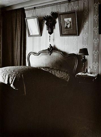 Interieur de Mme D., petite rentiere, boulevard du Port Royal 1911
