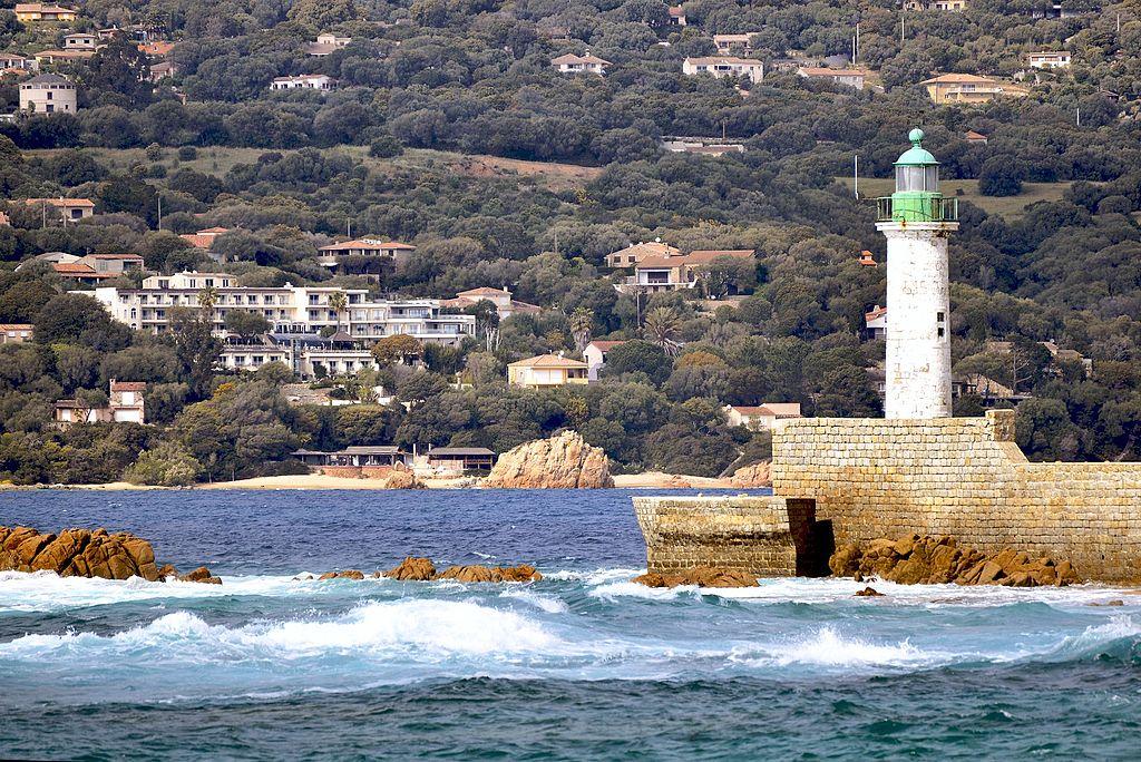Propriano phare de Scogliu Longu.jpg