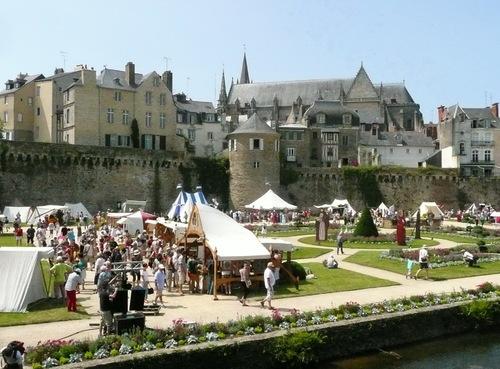 FETES HISTORIQUES  A VANNES (EN L'HONNEUR DE LA DUCHESSE ANNE)