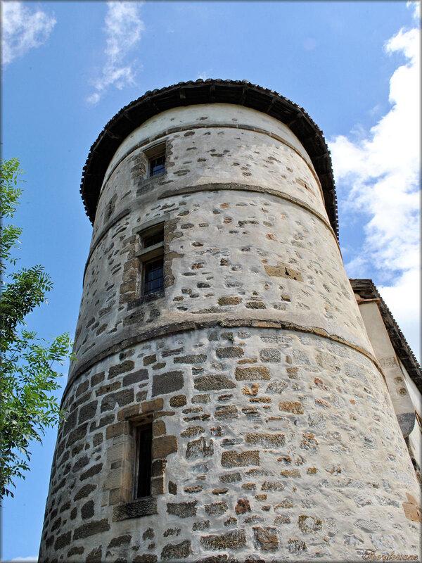Photo du château des Barons d'Espelette (Pays Basque)