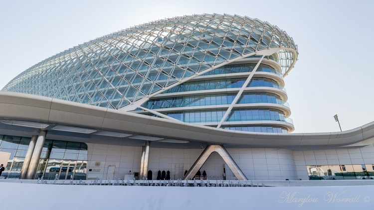 Abu Dhabi : Ferrari World 1/2