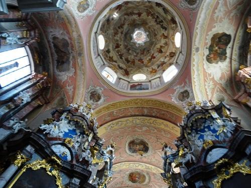 Vilnius: la superbe église baroque du Zaint Esprit