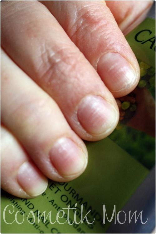 "Quand tes ongles te disent : ""Leave my cuticles alooooone"""