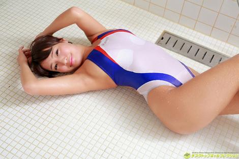 WEB Gravure : ( [DGC] - | 2016.02 | Rina Hashimoto/橋本梨菜 : 制服がはち切れるほどの大迫力Gカップ! )