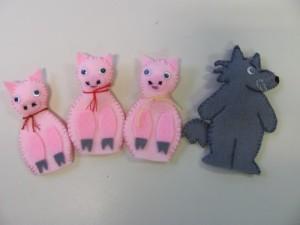 3 cchons marionnettes
