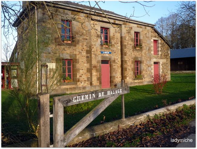 Hédé et ses onze écluses en Bretagne