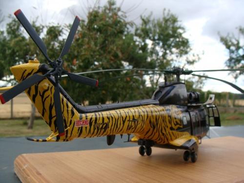 Maquette hélicoptère SA 330 Puma Royal Air Force(RAF) XW224 au 1/32