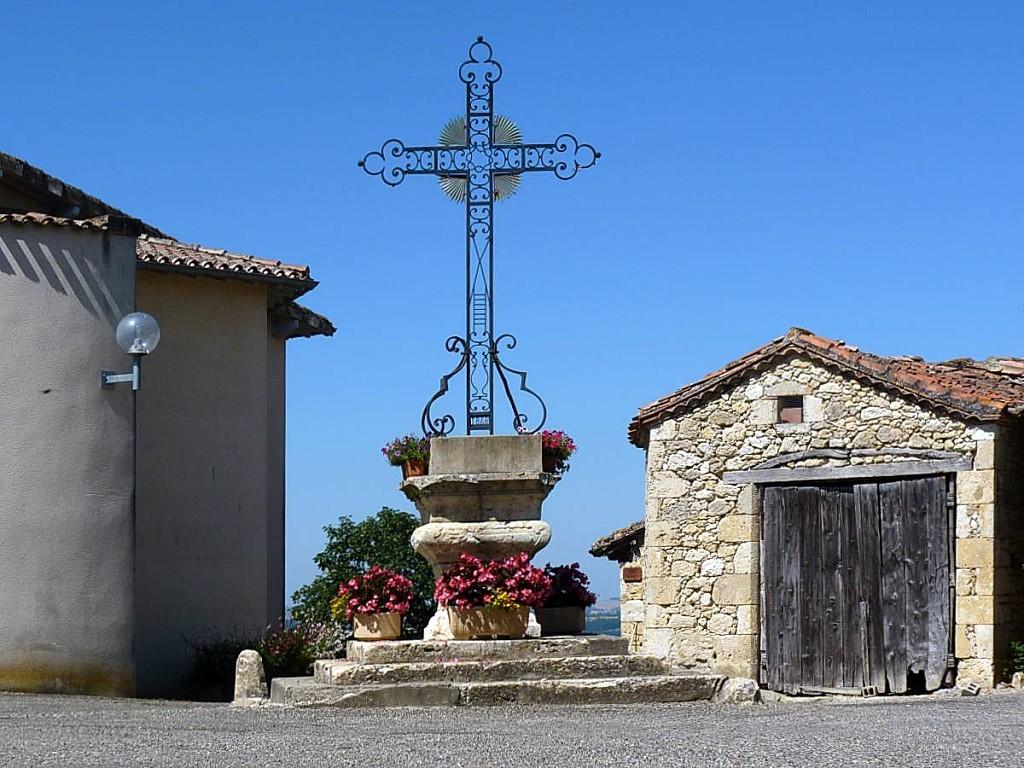 Castelnau-d-Arbieu-Calvaire.jpg