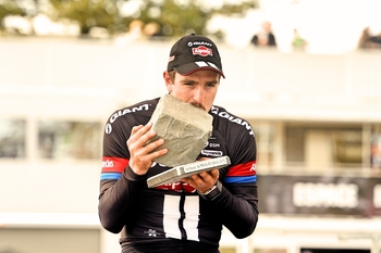 Paris-Roubaix-John-Degenkolb-cobble