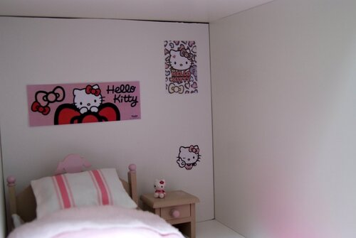 Dollhouse #2 : A Hello Kitty bedroom