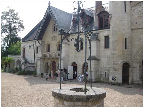 Entrée de l'abbaye (2)