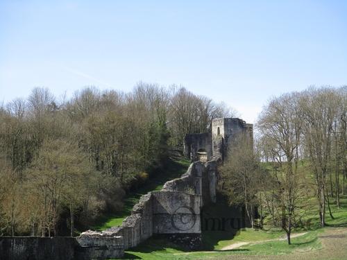 Le trou au Chat, ruines médiévales
