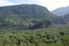 De Delphes à Agia Serafim