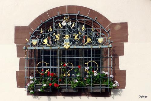 Fribourg: sol et portes ...