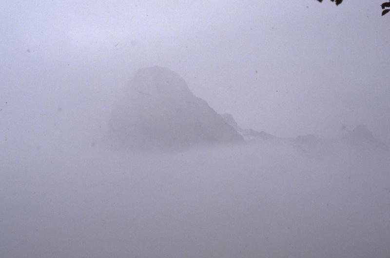Pic Billaré dans le brouillard