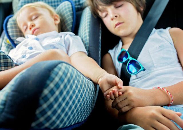 Comment faire dormir bébé lors de longs trajets ? Aubert Conseils