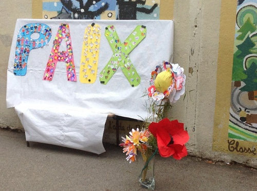 Faisons fleurir la paix cette année 2016-2017 à l'école Jeanne d'Arc