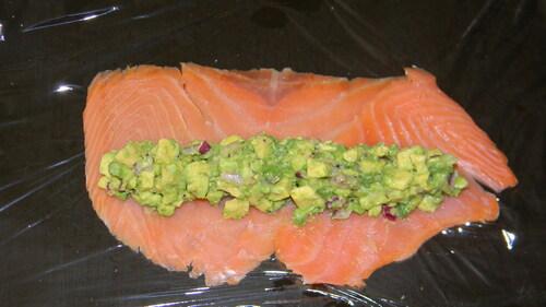 Roulé au saumon avocat citronné
