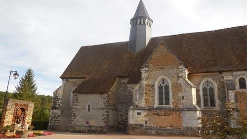 Moutiers-en-Puisaye (89)