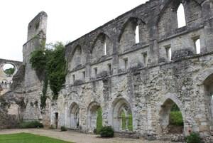 3 Abbaye de Mortemer (53)
