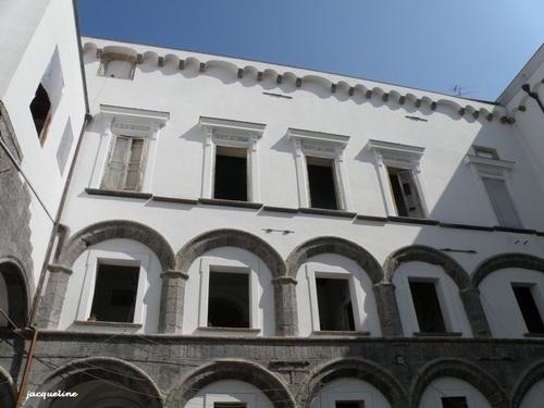 Naples  , la noble