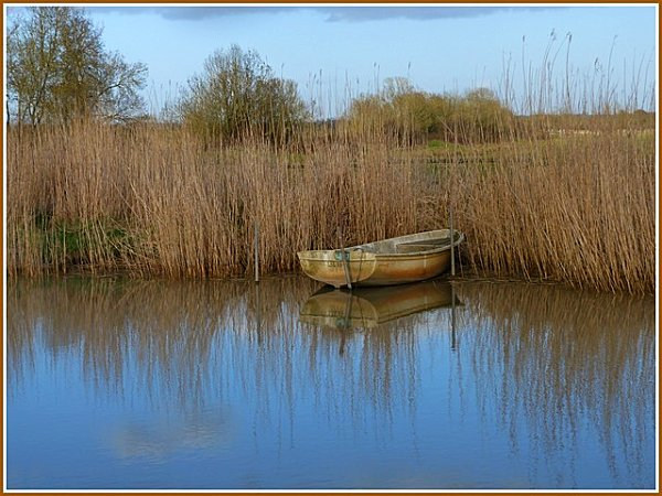 barque-au-fil-de-l-eau.jpg
