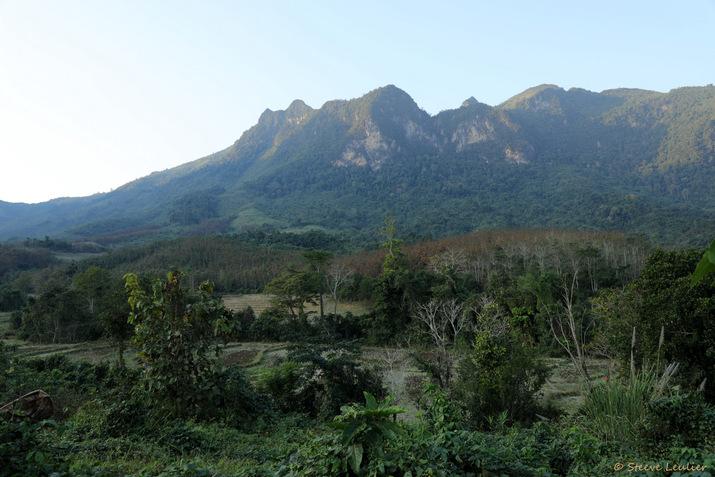Pha Yong, village des ethnies Hmong et Khmou, Laos