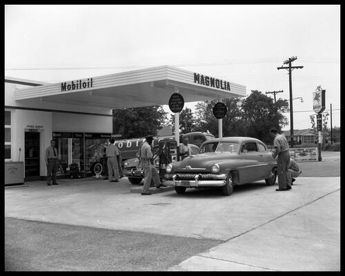 03 - L'automobile et les stations service, encore
