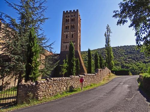 Le Tour de Saint-Michel de Cuxa depuis l'abbaye