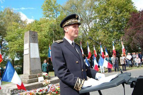 commémoration combats de Bard, le sous-préfet de Brioude Hugues Malecki (photo d'archives 2007) - BRIOUDE Photo