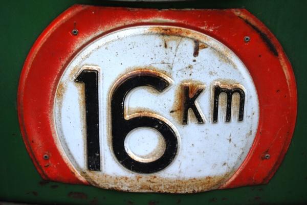 Tracteur, vitesse limitée