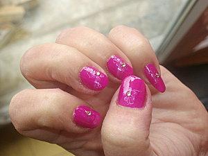 nail art rose fuschia et strass 010