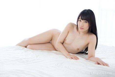 WEB Gravure : ( [Uralesbian] - |2015.07.07| Yui Kasugano/春日野結衣 & Mai Miori/みおり舞 : Yui and Mai Sensual Posing )