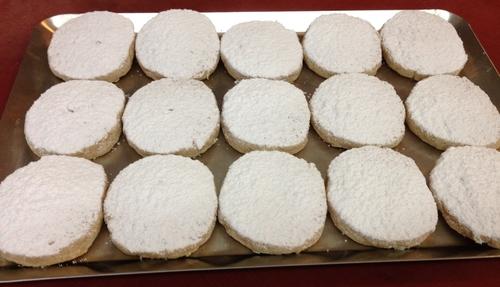 Biscuits moelleux au rhum & vanille, saupoudrés de sucre glace (Martha Stewart)