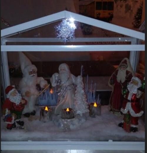 Carole.D ,Laulau ,Gégé13 et Suzon  ont l'esprit de Noël