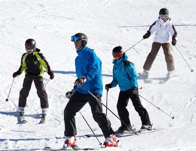 Cristina et ses enfants au ski
