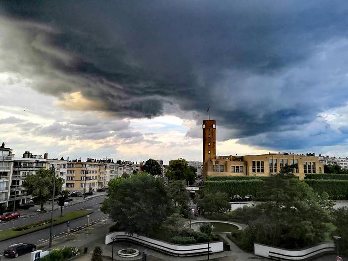 Quand le ciel s'assombrit au-dessus de Woluwe-Saint-Lambert