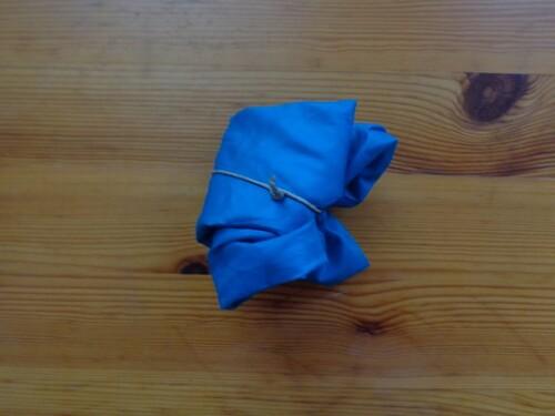 Parapluies recyclés en sacs en tissu pour faire le marché