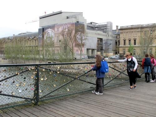 Louvre bâche travaux Bréguet cadenas 2