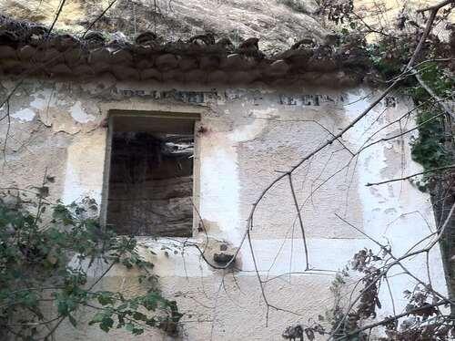 Maison troglodyte à Puget dans le sud Vaucluse