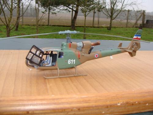 Maquette Fujimi au 1/48 de l'hélicoptère SA 341 Gazelle Force Aérienne Yougoslave