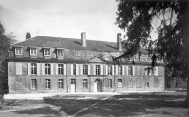 Le 41° RI au Château du Sablou en 1940 (le camp des indésirables)