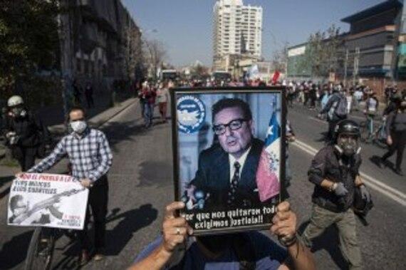 Hommages et émeutes à l'occasion de l'anniversaire du coup d'État au Chili (Pensa Latina-11/09/21)